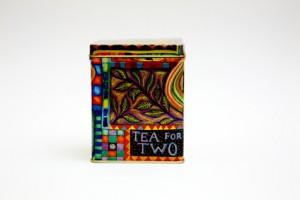 Tee, seine Eigenschaften und Teezubehör