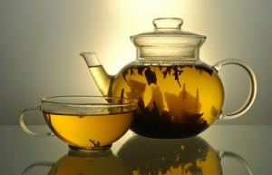 Tee mit Pinienkernen undcandere exotische Varianten
